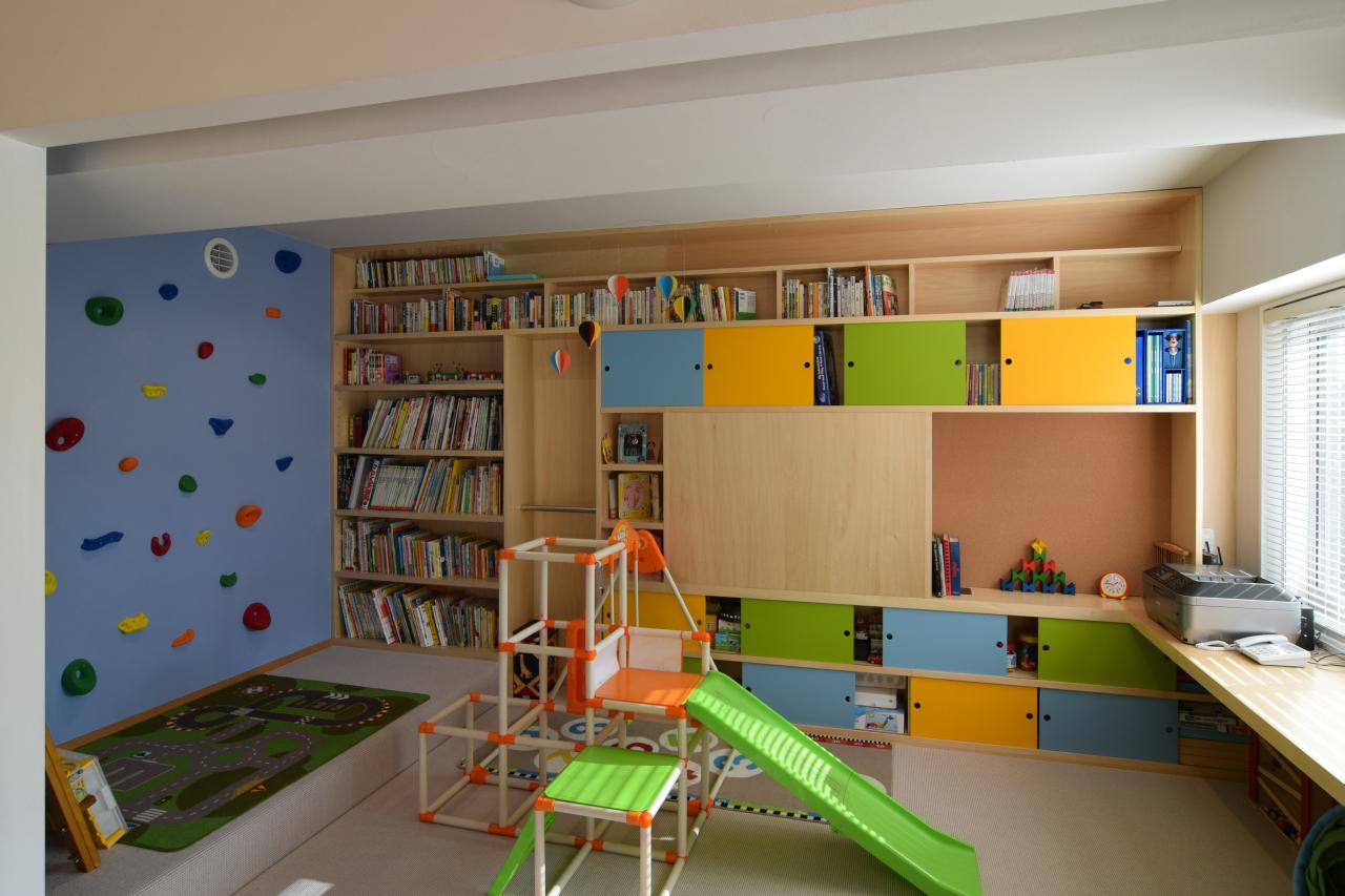 ステージのある子ども部屋