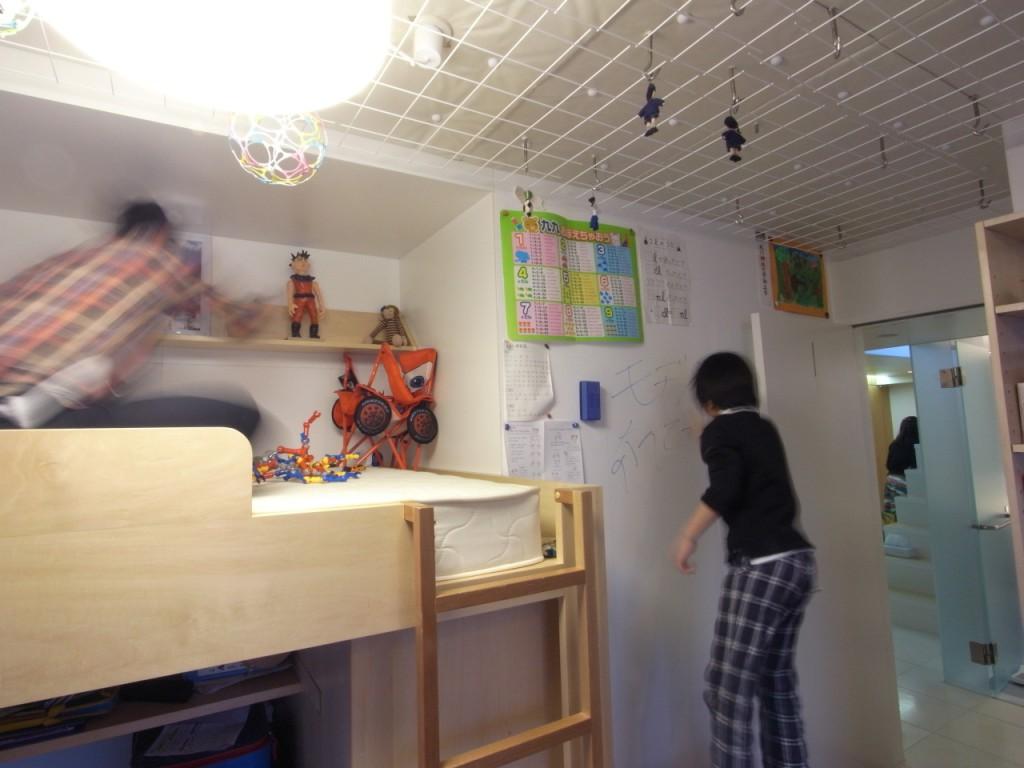 好きなモノを飾れる子供室